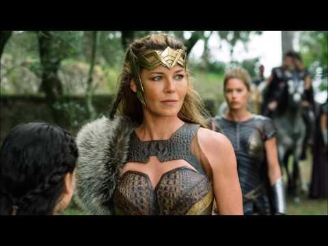 Analysis of WONDER WOMAN - Adolescent Diana, Bracelet Blast - Justice League Universe Podcast