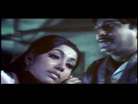 Edakallu Guddada Mele Movie   Jayanthi meets her husband after years   Kannada Scenes   Aarathi