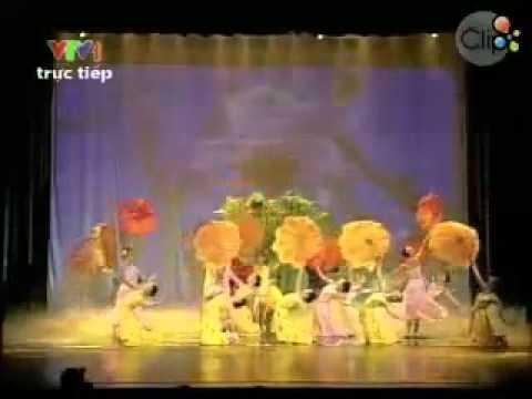 Múa  Những cánh hoa xuân   Tập thể diễn viên múa   Clip vn
