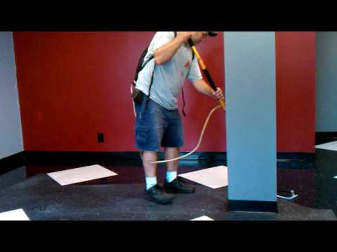 Waxing floors with 3m system