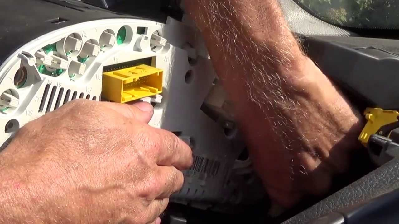 hight resolution of citroen c3 fuse box removal