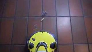 видео Karcher RC 3000 RoboCleaner