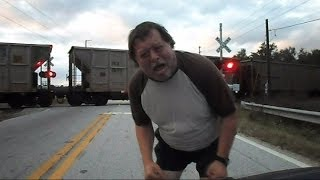 CSX Trains Teco And Tropicana Train Blocks Crossing During Chase