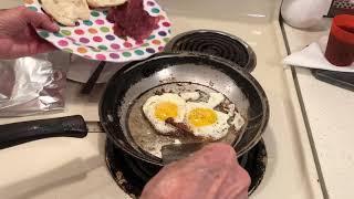 The Rhoda Stone Show-$1 Turkey Bacon,Eggs & Gravy Boats