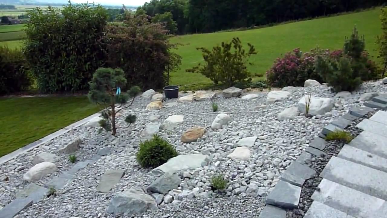 Steingarten Mit Springbrunnen: Kleiner Gartenteich