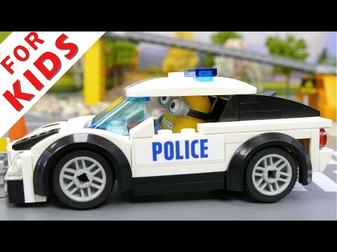 LEGO Police сhase - policemen catch the robber [Episode 1]