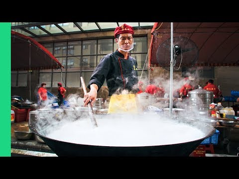 How To Cook Lunch For 800 People in Guangzhou, China + Guangzhou STREET FOOD Tour!
