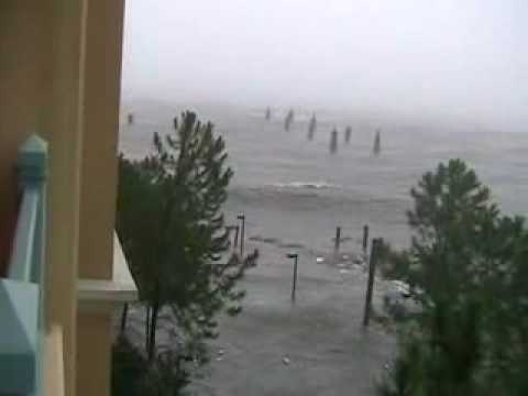 INSANE! Hurricane Katrina Footage