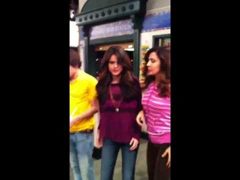 EXCLUSIVE! Selena Gomez and Cast Doing The DOUGIE
