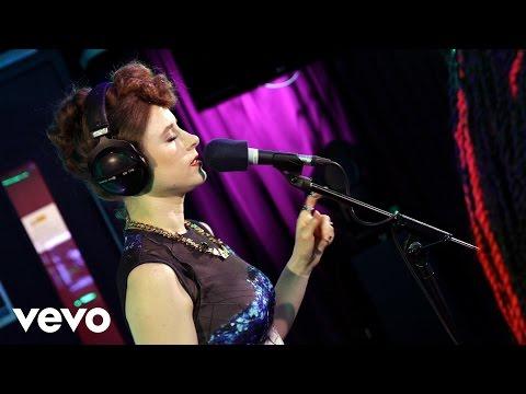 Kiesza - La La La (Naughty Boy ft Sam Smith cover in the Live Lounge)