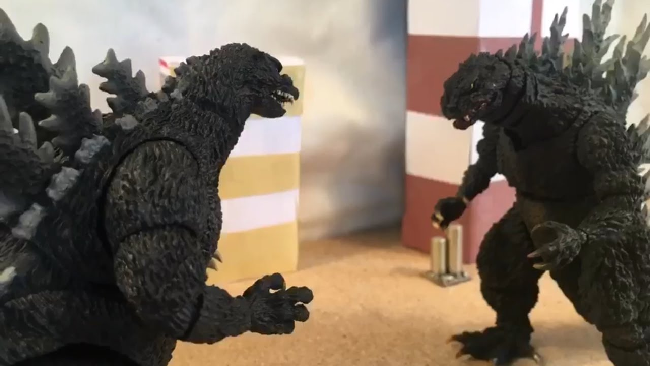 Godzilla (90s) VS Godzilla (2000) {Stop Motion} - YouTube