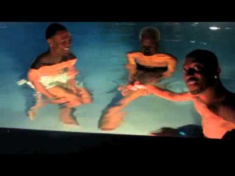Download Memorial Weekend - Sizzle Miami 2013 - Night 4 - Pool Thugging Singing and Chatting!