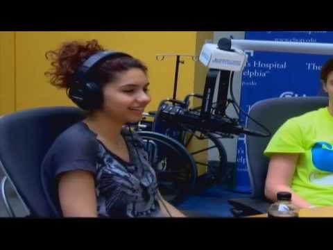 Alessia Cara Performs 'Wild Things' In Seacrest Studios