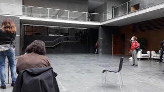 Los medios de comunicación vuelven al Parlamento de Navarra dos meses después