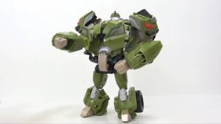 Video Review of the Transformers Prime Voyager Class; Bulkhead