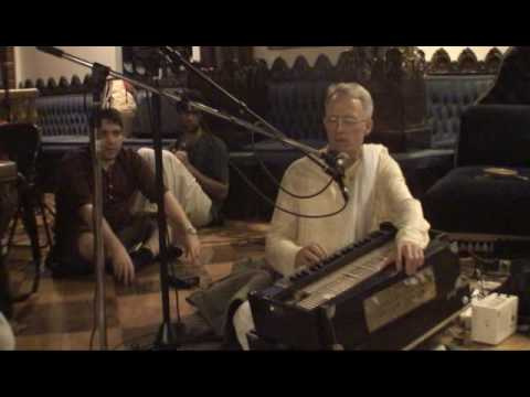 NY Eve Bhajan - Mukunda Datta das - Hare Krishna - 12/16