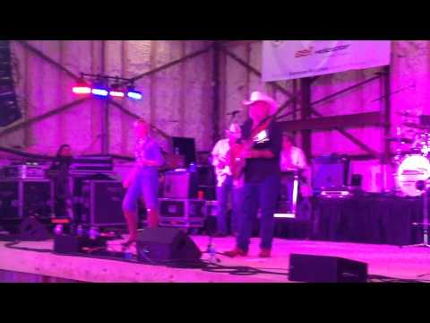 Cherish Lee & father Johnny Lee sing Yellow Rose of Texas