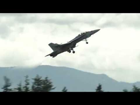 2017 Abbotsford Airshow F-18 Super Hornet Demo