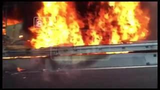 Città Sant'Angelo: Tir a fuoco su A14 (video)