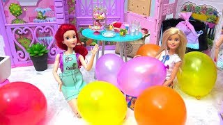 Barbie & Ariel Pretend Play Fun Playtime with Magic Color Balloons for Rapunzel's DIY BIRTHDAY Party