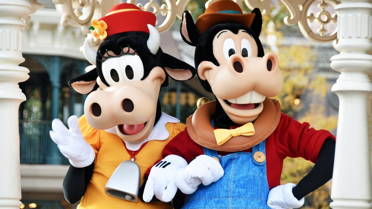 Meeting Horace Horsecollar and Clarabelle Cow At Character ...  Horace Horsecollar And Clarabelle Cow