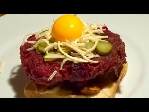 steak-haché-rouge-à-la-betterave-&-champignons-sautés-sur-toast-🥩🍠🍞---recette-#141