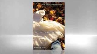 Elizabeth Scott: Living Dead Girl