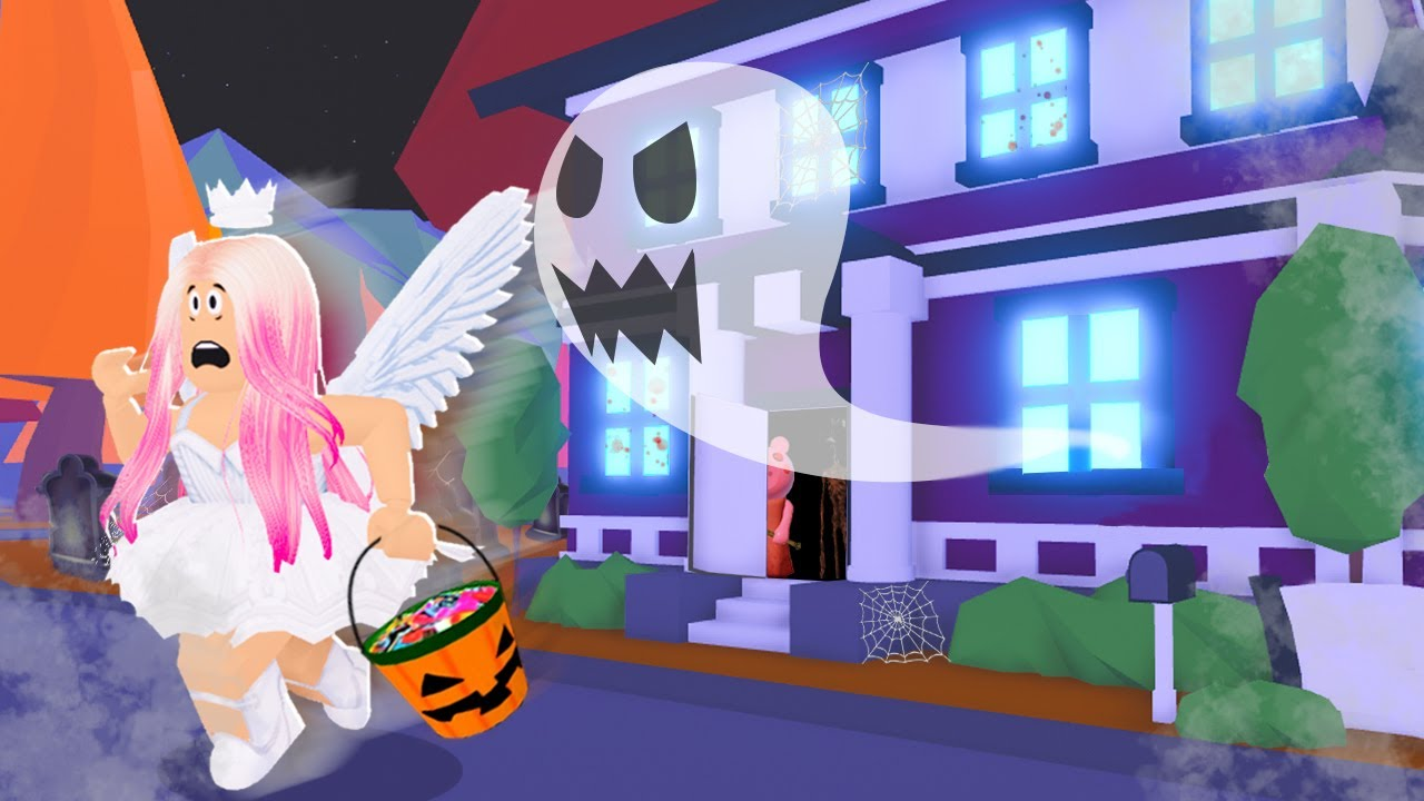 I Went TRICK OR TREATING & Found A HAUNTED Mansion In Adopt Me! (Roblox)