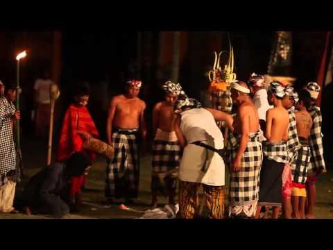 Tektekan Kerambitan Bali (Mass Balinese Trance)