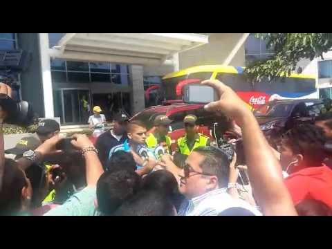 Colombia parte al aeropuerto para viajar a Montevideo, Uruguay
