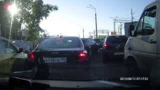 Таксист rutaxi за 1 минуту нарушает несколько правил ПДД(, 2015-08-19T10:00:10.000Z)