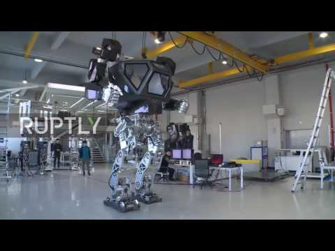 Thumbnail: South Korea: World's first giant manned robot takes its first steps