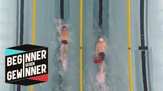 Schwimmen: Marco di Carli schwimmt mit einem Kasten Bier | Beginner gegen Gewinner | ProSieben