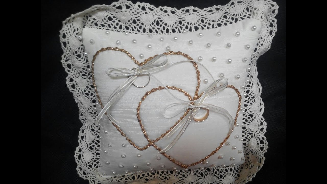 Coj n para anillos little pillow cushion for wedding for Cojines para cama de matrimonio