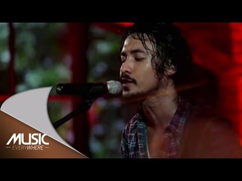 Ello - Yang Ku Nanti (Live at Music Everywhere) *