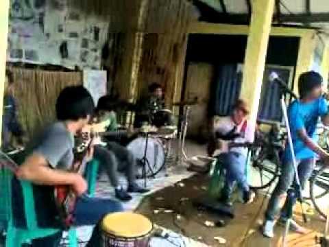D'private - Selamat Tinggal Cover FM - Live Perform