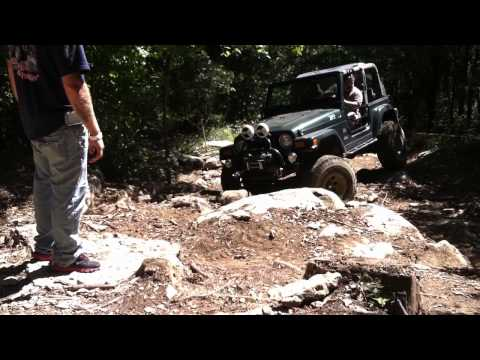 Jeep Wrangler TJ Rock Crawling ... Lockers ARE Working!