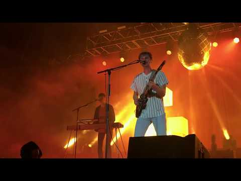 Glass Animals - Youth (Live) (Buzz Under The Stars)
