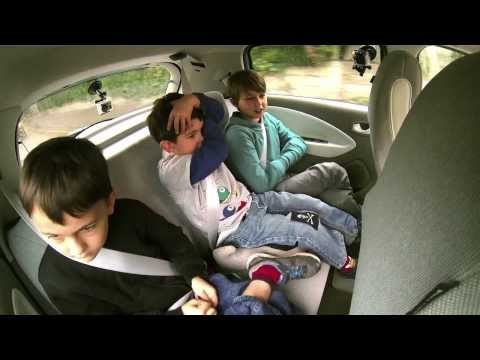 Charlie Bit the family Renault ZOE EV