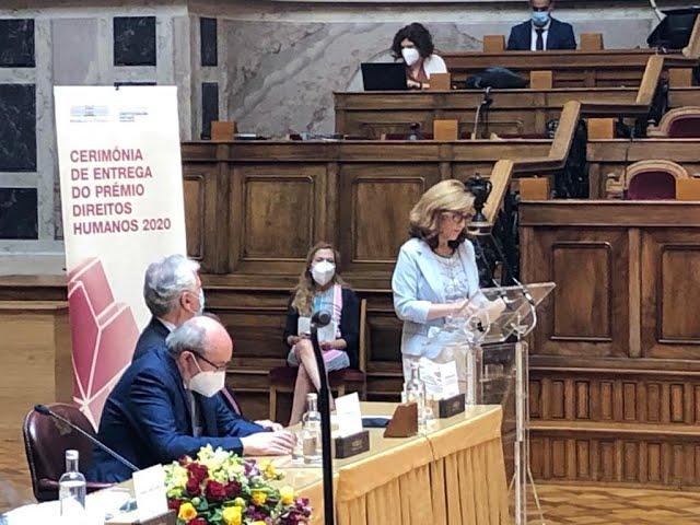 Maria do Rosário Martins - Medalha de Ouro do 50º Aniversário Declaração Universal Direitos Humanos