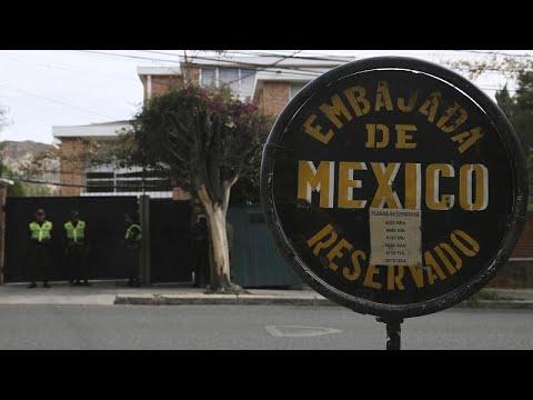 Bolívia impede entrada de diplomatas espanhóis na embaixada mexicana