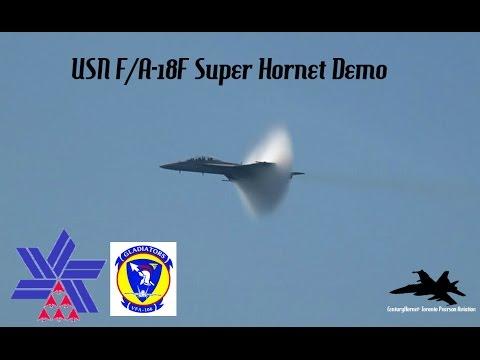 Canadian International Air Show 2016- USN F/A-18F Super Hornet Demo