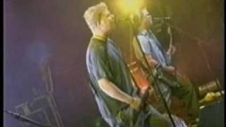 Скачать The Offspring 17 Staring At The Sun Bogota 2004
