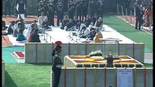 Union Minister of State Shri Babul Supriyo sings at Rajghat