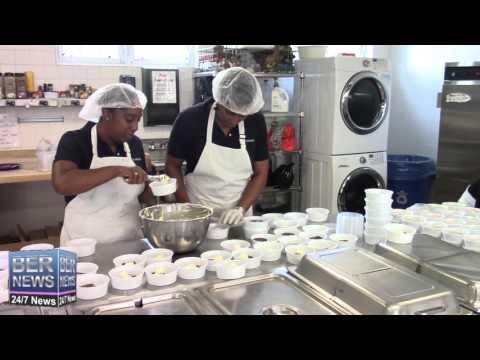 Clarien Staff At Meals On Wheels, December 9 2015
