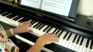 """""""Bella's Lullaby"""" by Carter Burwell (Twilight) on piano"""