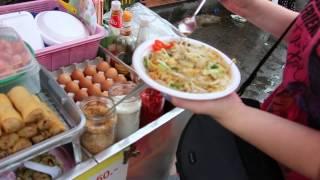 Еда в Тайланде  Пад Тай  Видео