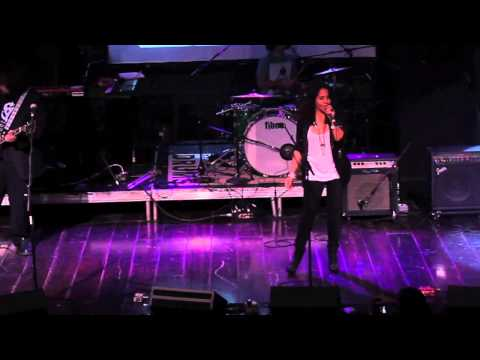 "Lizette Santana (Lize') - ""Cansada/Out Of You"" from the upcoming Forward Motion Live DVD"