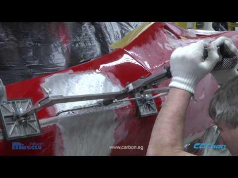 Reparatur der Seitenwand und Tür eines Ferrari 458 Challenge