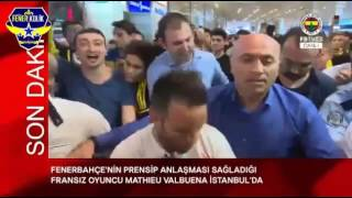 Valbuena'nın Fenerbahçe taraftarıyla ilk karşılaşma görüntüleri.